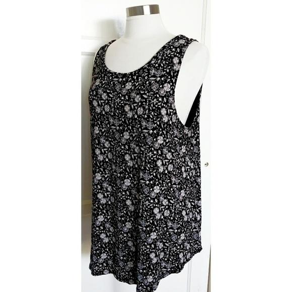 b02308ccd20bb4 Old navy sleeveless women's top. M_5cd11c668d6f1afed5c802b4